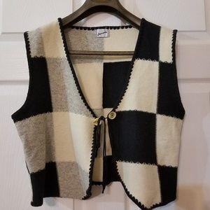 Sweaters - Womens Check pattern Wool Vest Size Medium